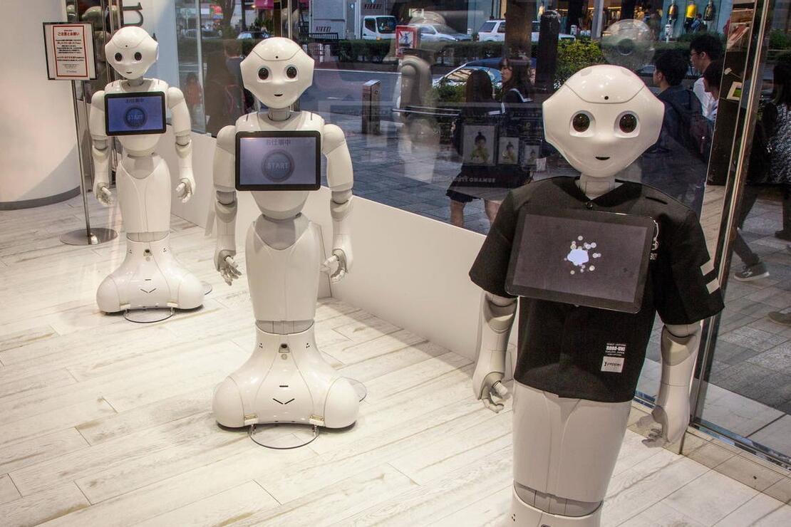 Otellerde robot personel dönemi! Koronavirüs hastalarına bakmışlardı…