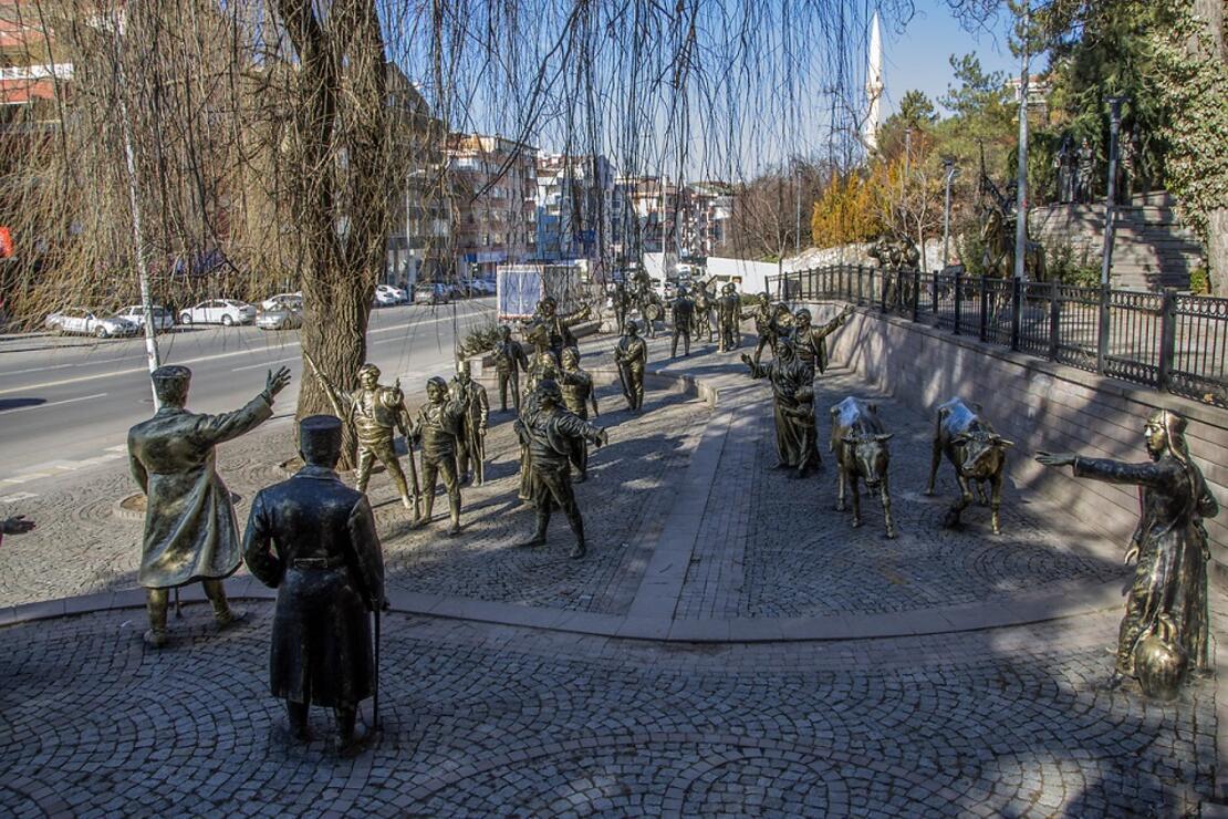 Ankara'nın onlarca heykelli, duygu dolu parkı