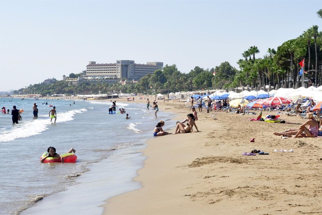 Side'de plajda kirlilik ve koku rahatsızlığı