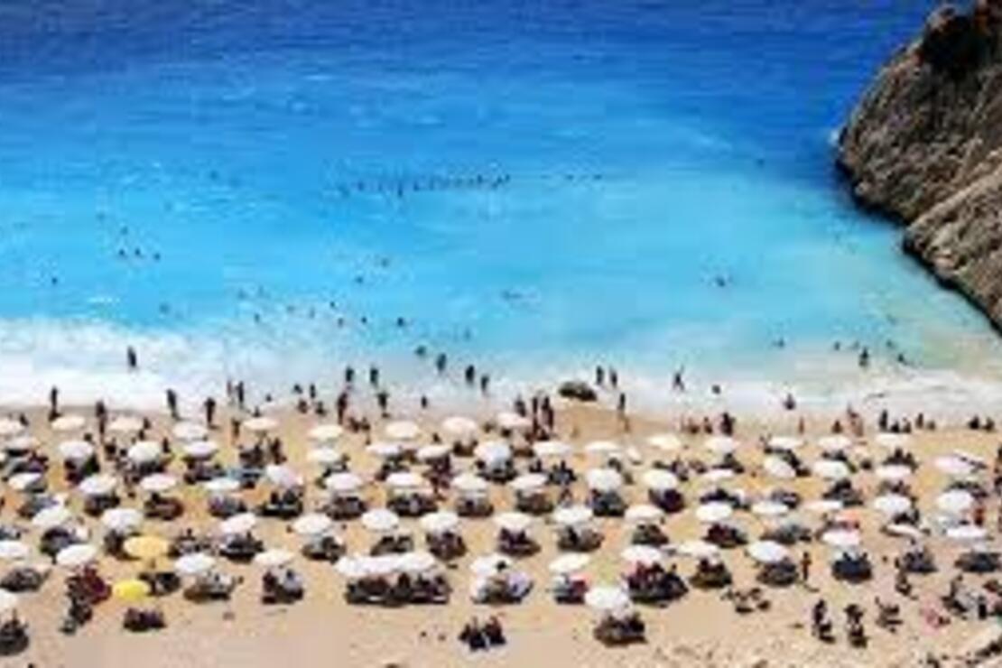 'Turizmin başkenti' Antalya'ya 3 günde 100 bin turist geldi