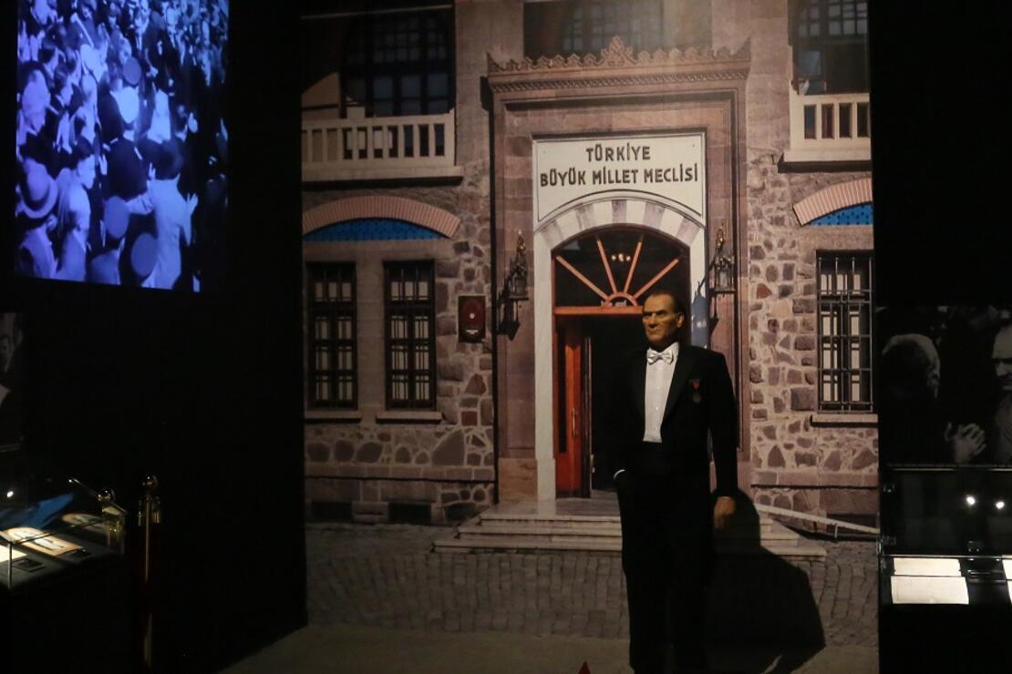 Atatürk'ün eşyaları, Antalya Akvaryum'da sergileniyor