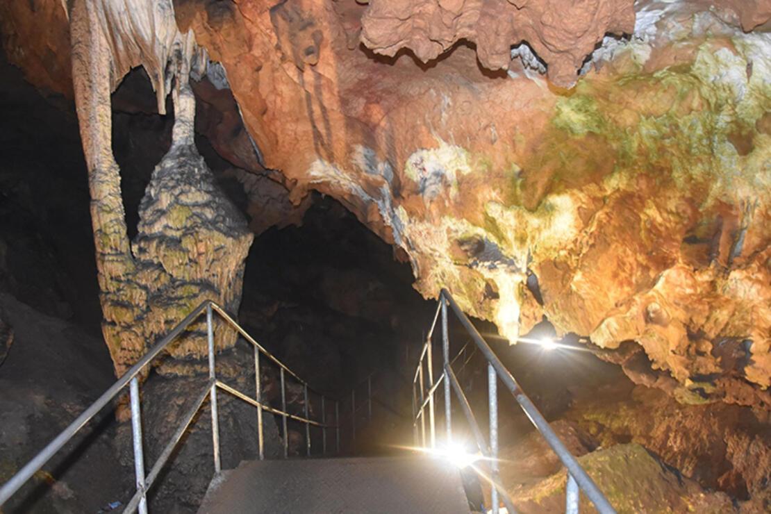 Oylat Mağarası Nerededir? Oylat Mağarası Oluşumu, Özellikleri, Giriş Ücreti Ve Ziyaret Saatleri (2020)
