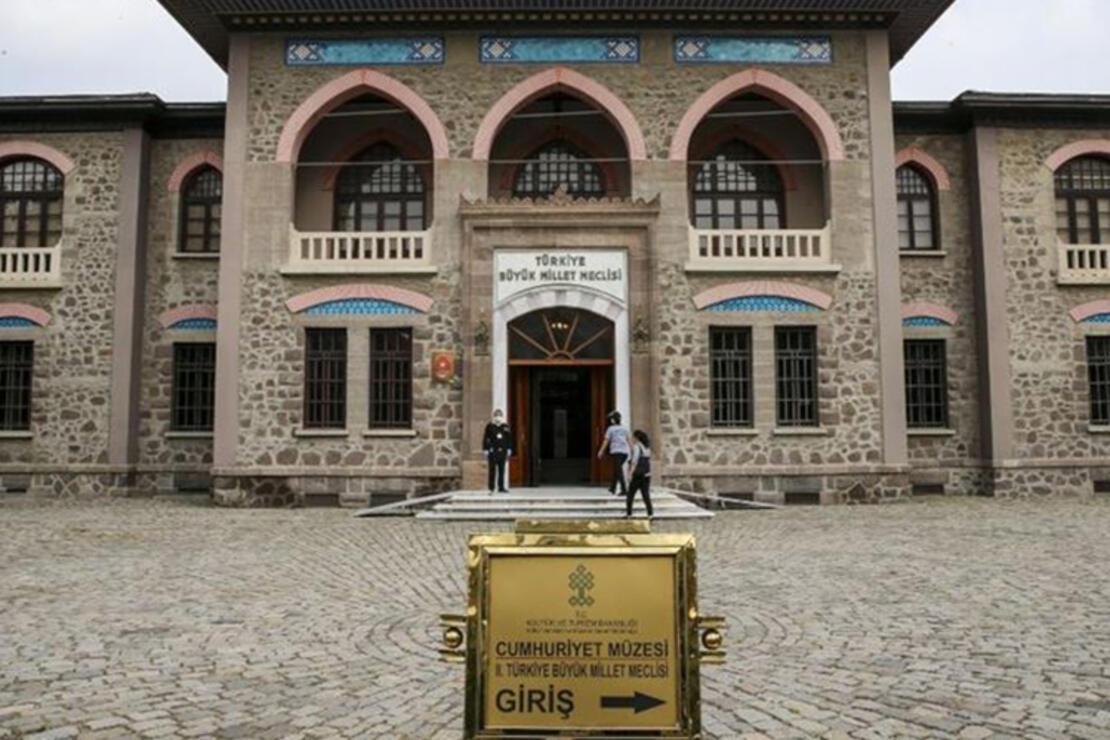 Cumhuriyet Müzesi Nerede? Cumhuriyet Müzesi Tarihçesi, Eserleri, Giriş Ücreti Ve Ziyaret Saatleri (2020)