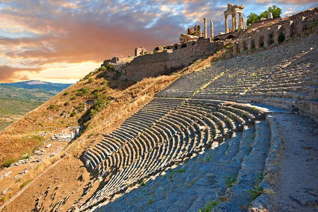 Pergamon Antik Kenti Nerede? Pergamon Antik Kenti Hakkında Bilgi, Tarihi, Efsanesi, Giriş Ücreti Ve Ziyaret Saatleri (2020)