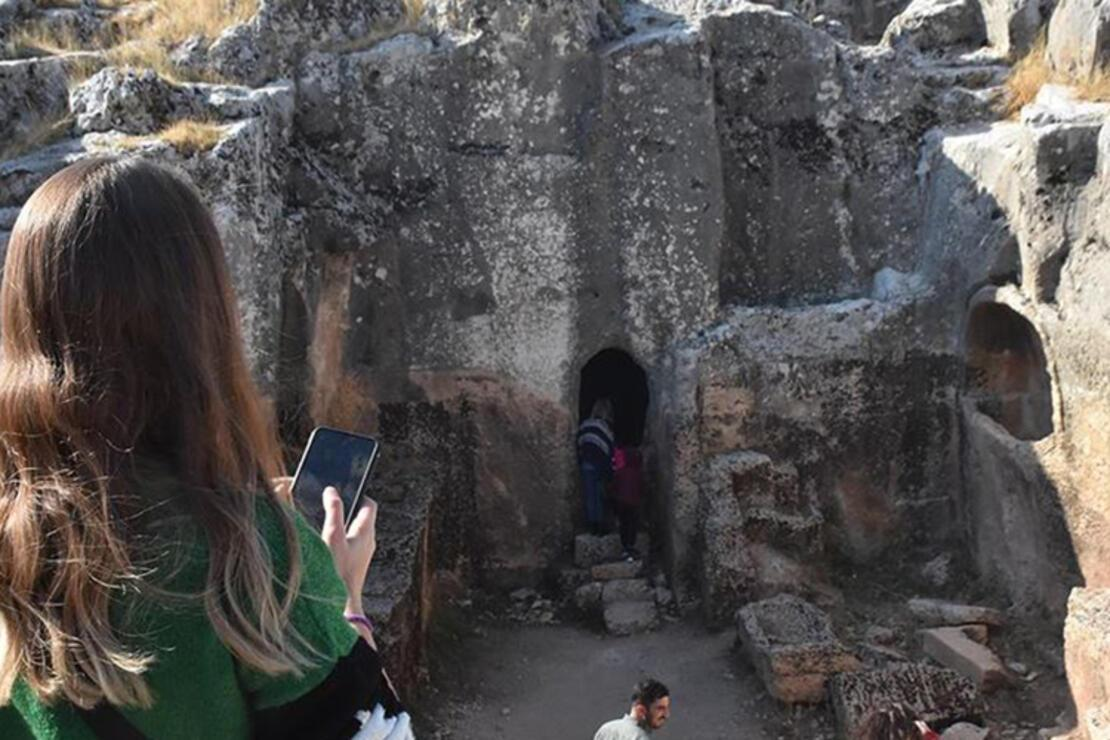 Perre Antik Kenti Nerede? Perre Antik Kenti Hakkında Bilgi, Tarihi, Efsanesi, Giriş Ücreti Ve Ziyaret Saatleri (2020)