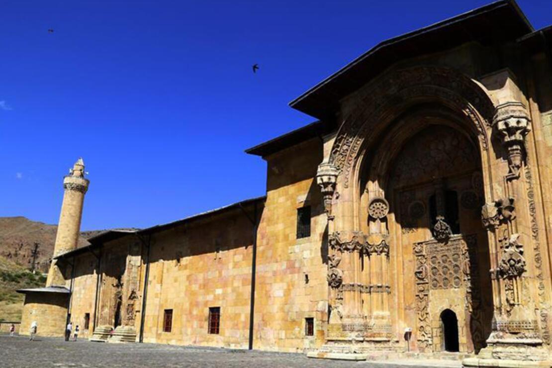 Divriği Ulu Camii Nerede? Divriği Ulu Camisi Tarihi, Özellikleri, Hikayesi Ve Mimarı Hakkında Bilgi