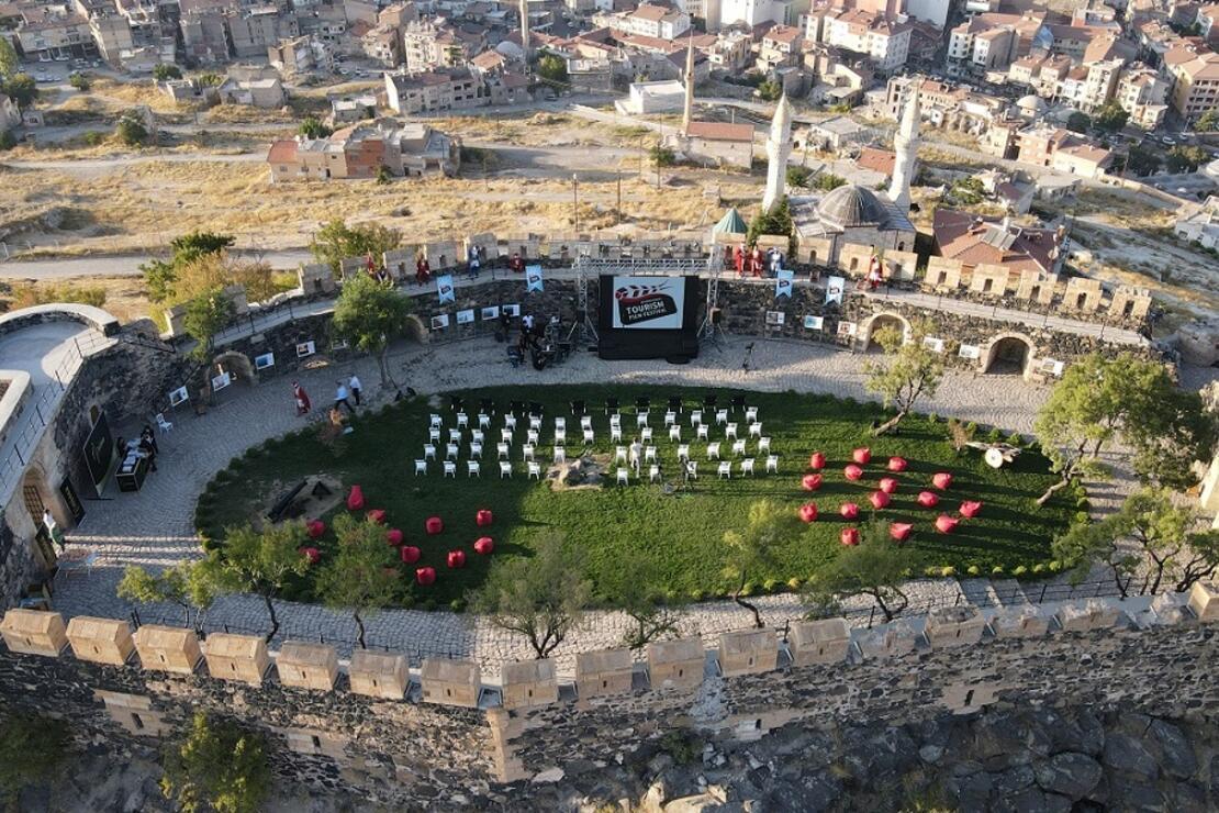 Uluslararası Turizm filmleri festivali Kayaşehir'de başladı