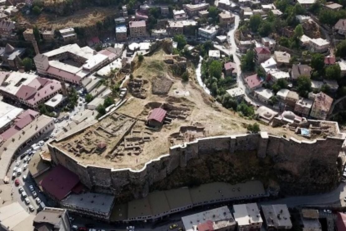 Bitlis Kalesi, 'Kanuni Sultan Süleyman' tarafından yenilenmiş