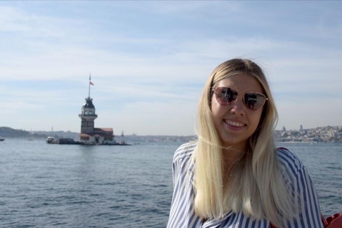 İstanbul'da yaşayan Rus gezgin 10 yıldır Türkiye'yi ve Türk dizilerini tanıtıyor