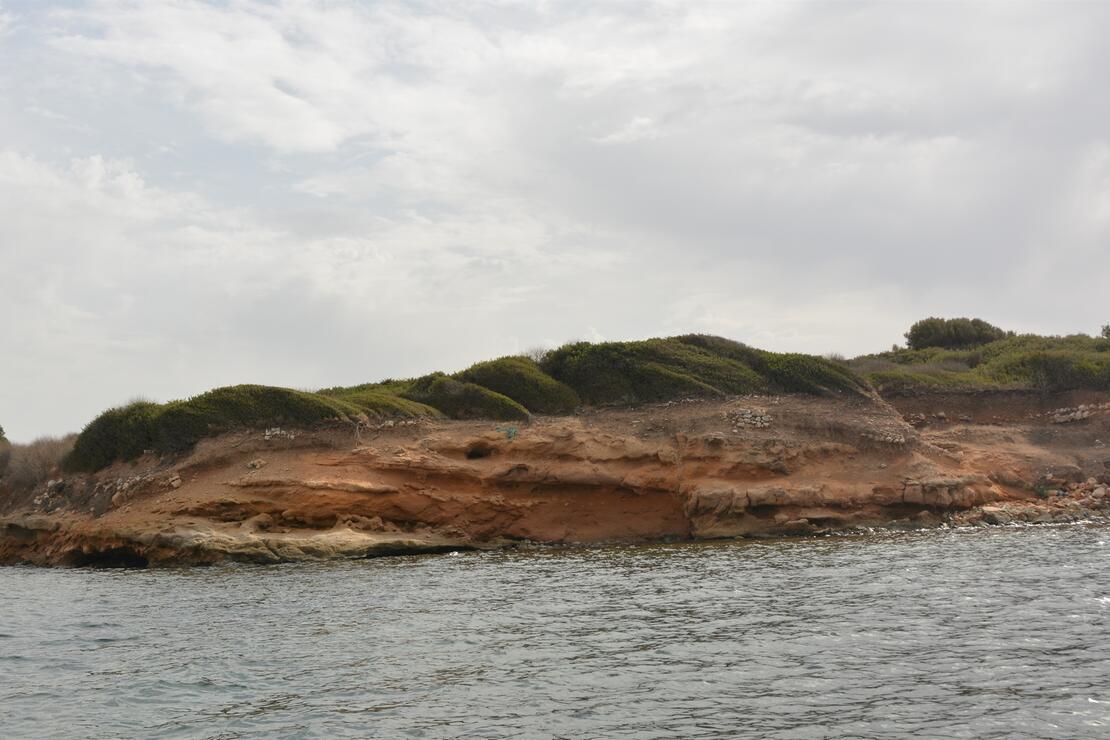 Didim'de deniz altında 5 bin yıllık olduğu değerlendirilen liman kalıntıları bulundu