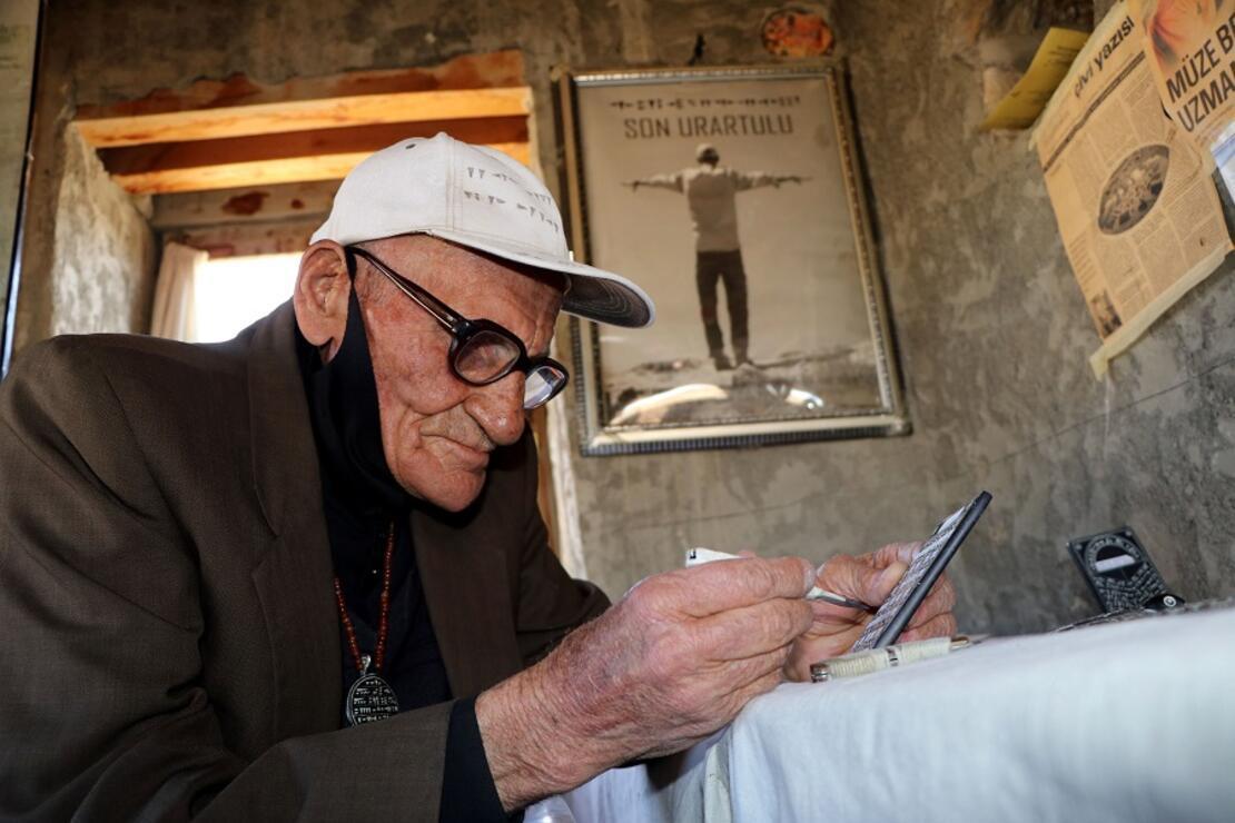 Urartuca bilen Mehmet Kuşman, tarihi kaledeki işini bırakıyor