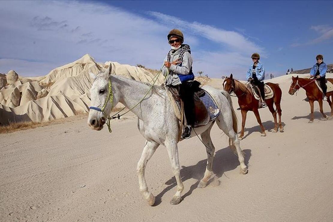 Kapadokya hafta sonunda yerli turistlerin mekanı oldu