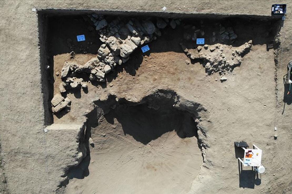 Afyonkarahisar'da 'Puruşhanda' kentine ait olduğu değerlendirilen tarihi yapı bulundu