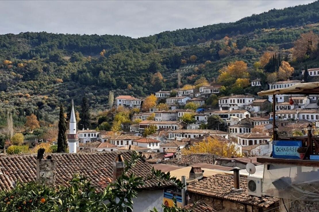 'Kıyamet köyü' 4 günlük yılbaşı tatili için tamamen doldu! Muhtarı arayıp yer soruyorlar