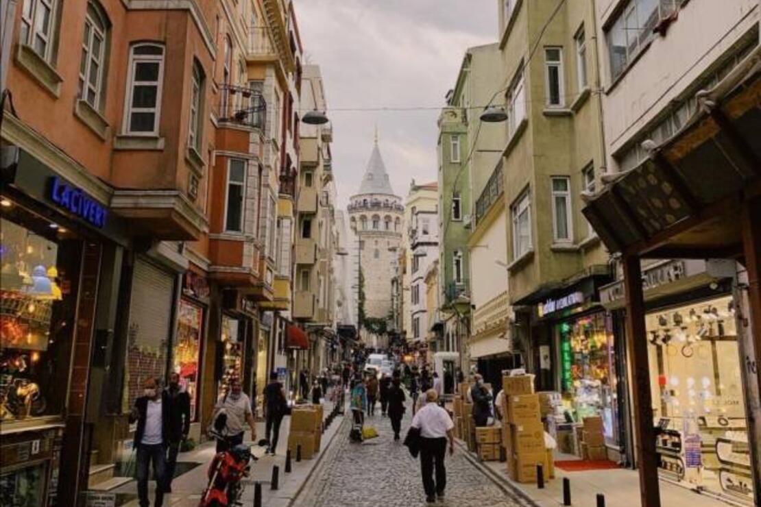 Beyoğlu'nda turistlerin en çok ziyaret ettiği cadde yayalaştırılıyor