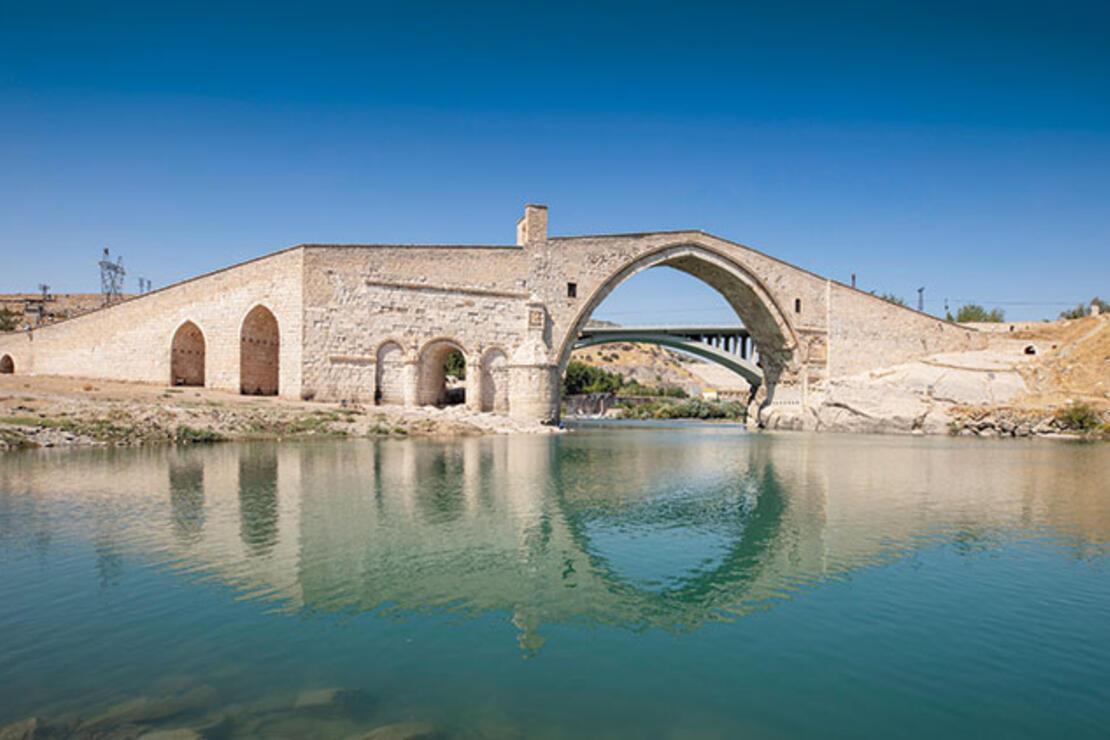 Anadolu'nun medeniyetleri buluşturan köprüleri
