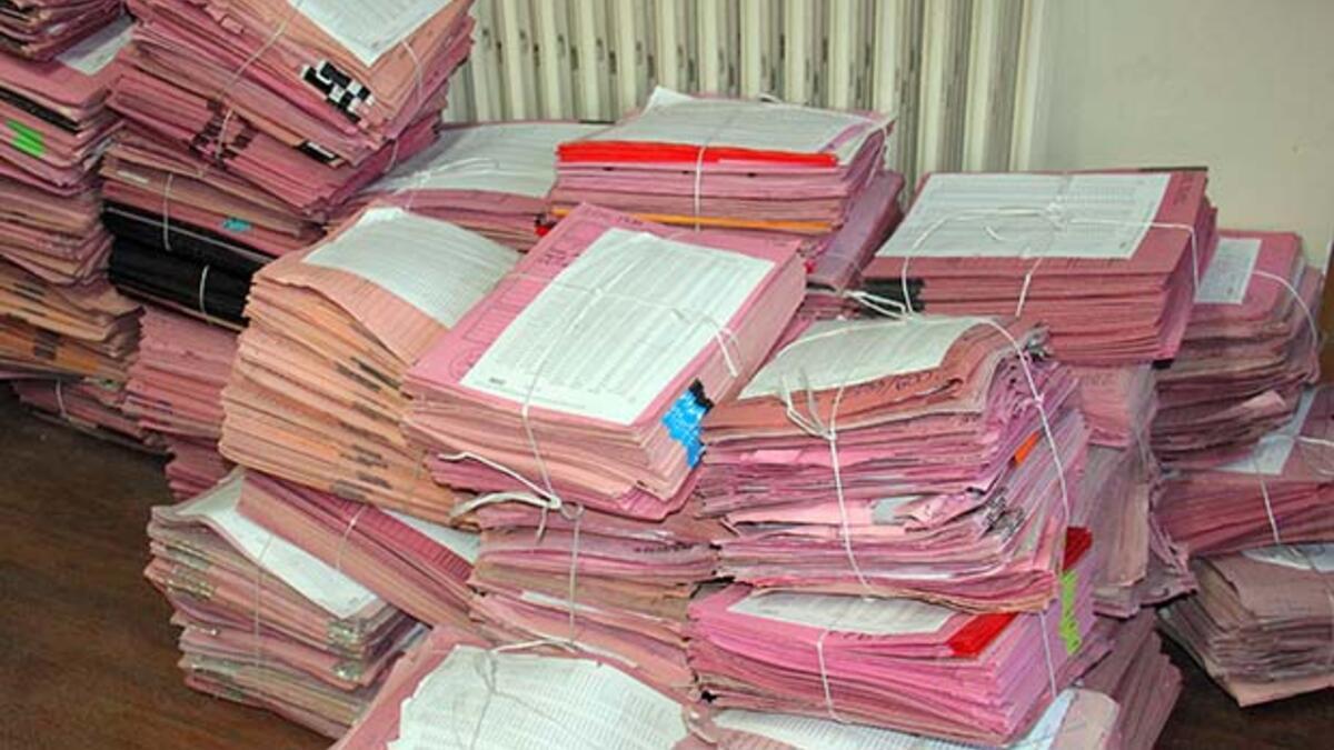 mahkemeler kapatildi dosyalar dagitildi