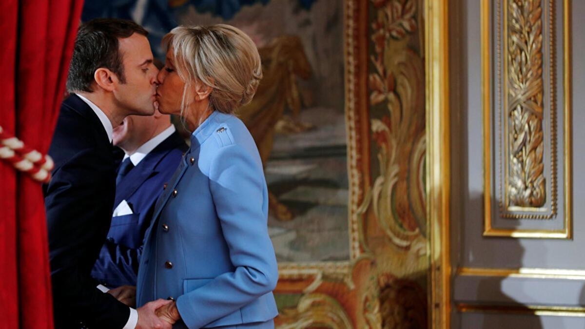 Macron Gencliginde Erotik Roman Kaleme Almis Dunyadan Haberler