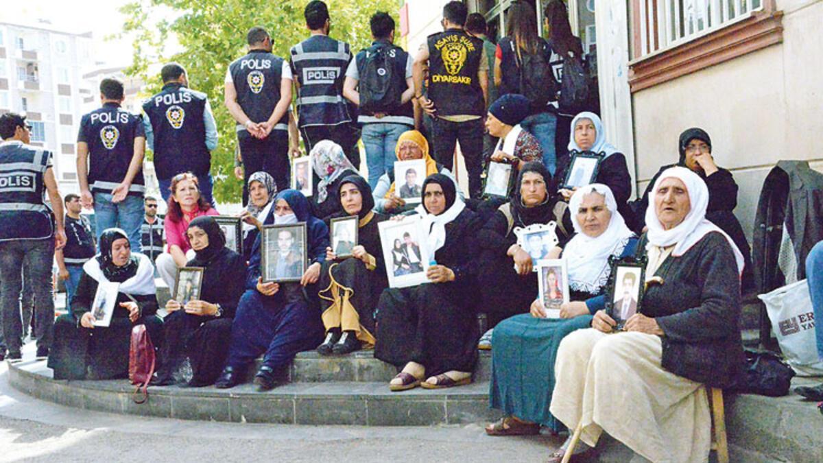 İranlı anneler de Diyarbakır'da