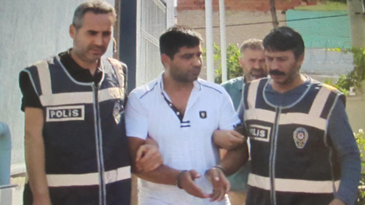 5 yıldır aranıyordu! Cezaevi firarisi tatil dönüşü yakalandı