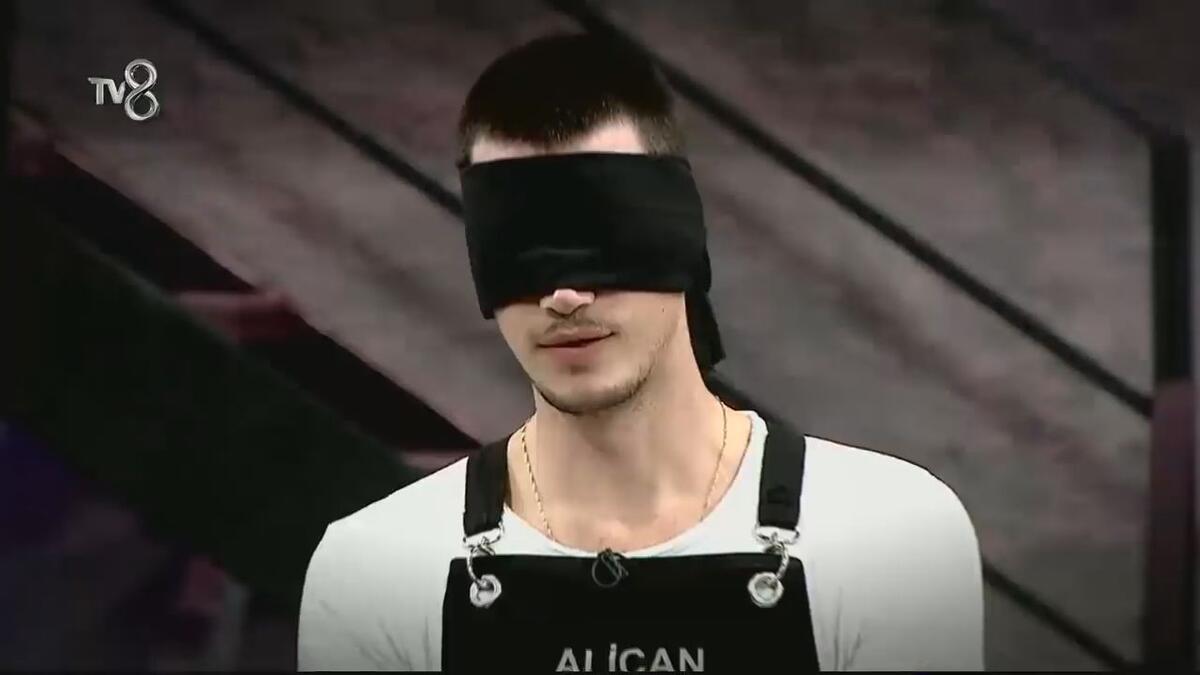 HÜRRİYET TV EKRAN - cover