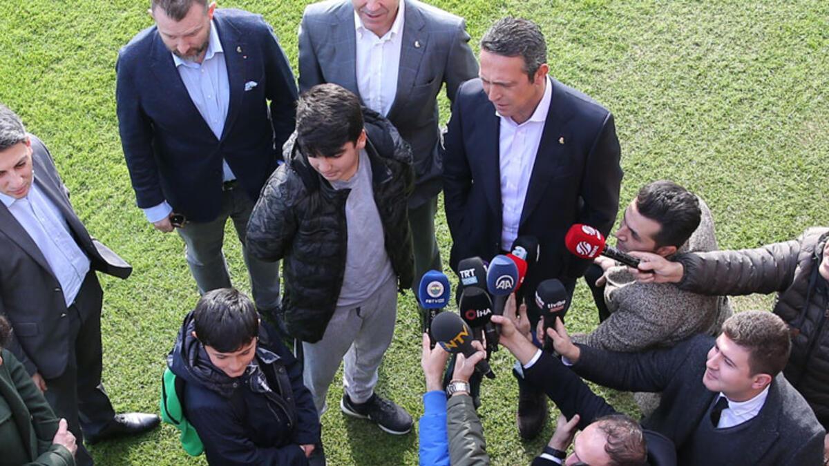Galatasaray yerine Fenerbahçe'yi seçti Ali Koç'u mest etti
