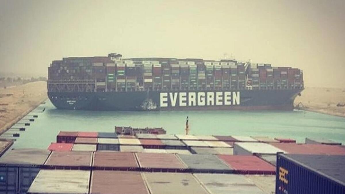 Süveyş Kanalı haftalarca kapalı kalabilir - Son Dakika Ekonomi Haberleri