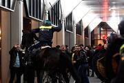 Hollanda polisinden Türk vatandaşlarına sert müdahale