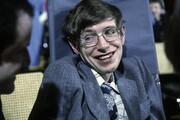 Dünyanın konuştuğu dahi... Stephen Hawkingin dünyayı değiştiren yaşamı...
