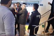 Bu vapur İstanbula gidecek diye bağıran baltalı eylemciyi polis ikna etti
