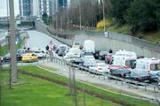TEMde şüpheli paket paniği Yol tamamen trafiğe kapatıldı...