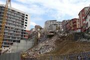 Kağıthanede riskli binaların yıkımına başlandı