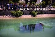 Anneler Günü etkinliğinden dönerken otomobille sulama kanalına uçtular