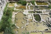 Yosun tutan Roma Hamamı kalıntısındaki suyun tahliyesine rögarlar tıkandı açıklaması