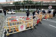 Hong Kongda karşıt görüşlü protestocular arasında arbede