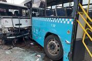 Ümraniyede kamyon özel halk otobüsüne çarptı