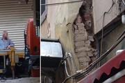 Beyoğlu'nda hasarlı binaya yıkım kararı çıktı