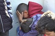 Forma alamayınca gözyaşı döken çocukları teselli yarışı
