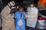 Kapının altından atılan isimsiz zarftan kimyasal toz çıktı: 5 kişi hastanelik oldu