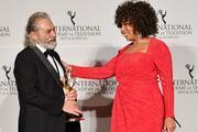 Haluk Bilginer, Uluslararası Emmy Ödüllerinde En İyi Erkek Oyuncu seçildi