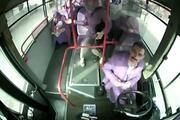 Erzincanda Özel Halk Otobüsü şoförü bebeğin hayatını kurtardı