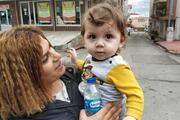 Samsun'da birinci katın penceresinden düşen 1,5 yaşındaki ikiz çocuk ağır yaralandı