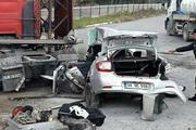 TIR, otomobile çarptı: 1 ölü, 4 yaralı