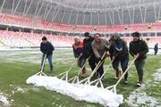 Yeni 4 Eylül Stadında kar temizleme çalışmaları