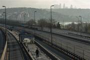 Sokağa çıkma yasağının ikinci gününde İstanbulda yollar boş