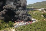 Bursada geri dönüşüm tesislerinde yangın