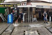 İzmirde şiddetli sağanak