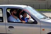 14 yaşındaki çocuğun, yanında babasıyla otomobil kullanma anı