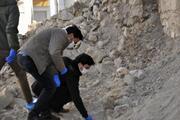 Bina yıkımında ekipler şaşkına döndü Hemen polisi aradılar