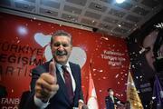 Mustafa Sarıgül partisinin adını ve logosunu açıkladı